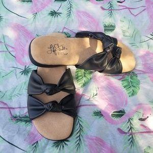 Life Stride Slide Sandals NWOB 5M Black Eden